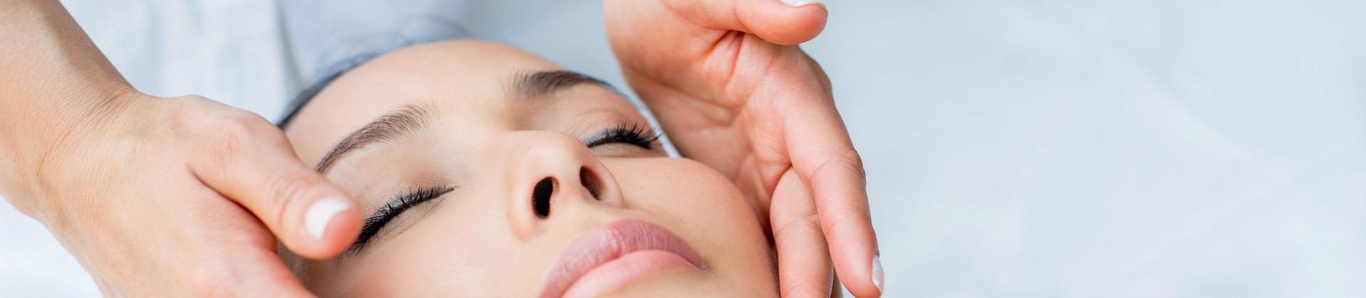 Découvrez la formation Bac pro esthétique parfumerie et cosmétique